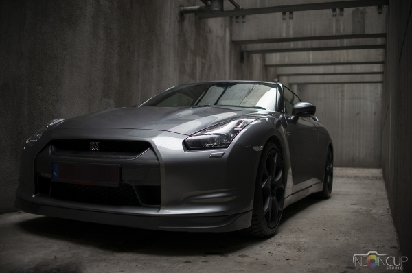 Nissan GT-R 607HP Akrapovič film