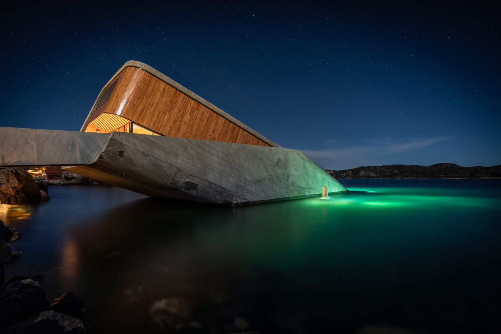Under - pierwsza podwodna restauracja w Europie 9