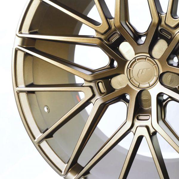 Prezentacja nowego modelu JR-Wheels 1